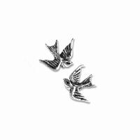 UL17 Swallow studs